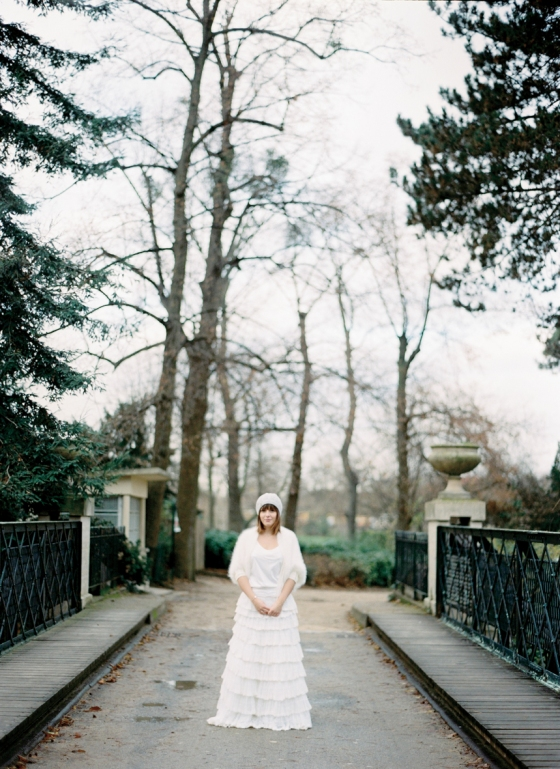 Bride in winter vovies photography